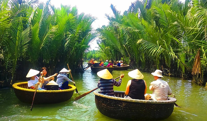Bay-mau-coconut-village-hoi-an