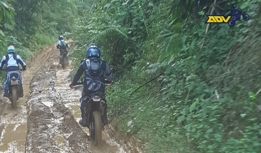 north-vietnam-motorbike-oops
