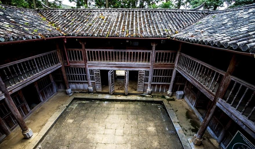 palace-of-hmong-king